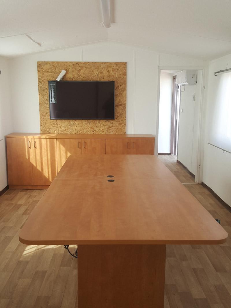 שולחן ישיבות מלבני פינות עגולות
